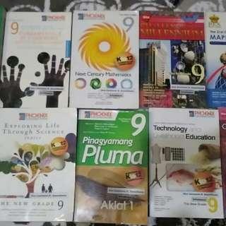 9 pcs.books Grade 9 at st. joseph college q.c