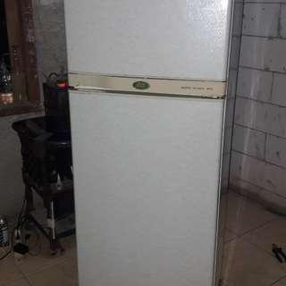 Kulkas sanyo 2 pintu