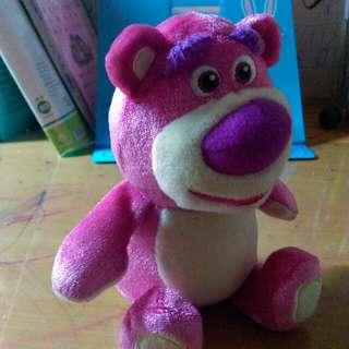 草莓熊玩偶
