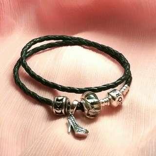 Pandora 潘朵拉黑色皮繩手鍊一組含吊飾
