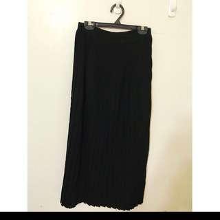 百摺針織長裙 原價2180 質感非常好 超級顯瘦的 ML都可 質感真的很好喔