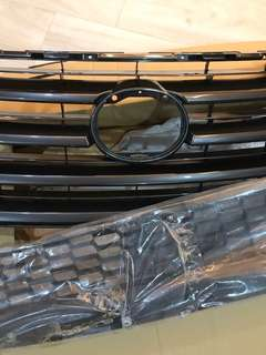Lexus NX Original Grill ( Almost New )