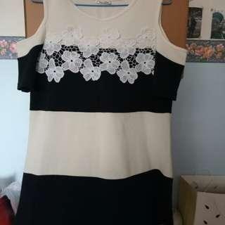 露肩洋裝 短洋裝 短袖 長版 上衣 條紋 可愛花朵 短裙