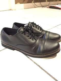 Sepatu Semi Formal Murah