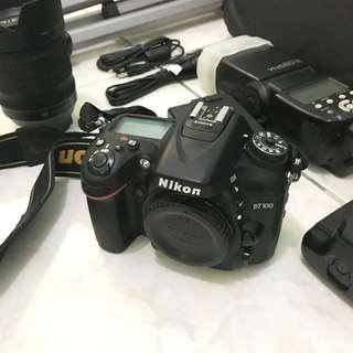 Nikon Digital SLR Camera D7100 with Kit Lens - SELL AS BUNDLE