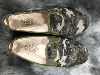 Flossy Army Slip On Size 37 - Preloved, Excellent Condition