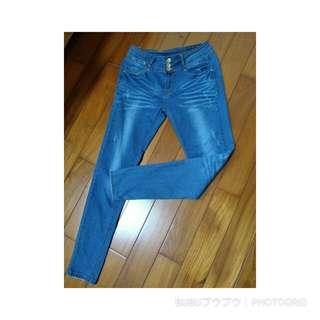 三排扣深藍牛仔褲