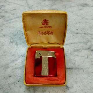 England Ronson Varaflame Lighter Vintage
