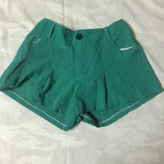 Hot pants green