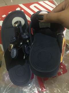 On hand overrun fitflop