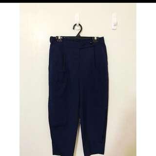 日本帶回 原價2680 鬆緊腰喔 超級舒服的 寬褲 穿起來真的很時尚喔