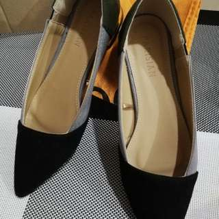 Women Pointed Shoes