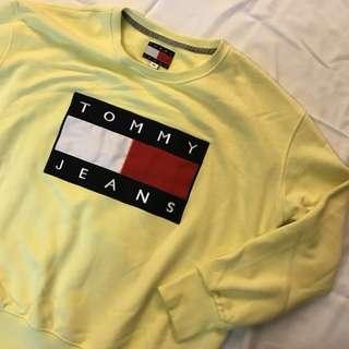近全新tommy Hilfiger Tommy jeans 大學t 鵝黃色 m
