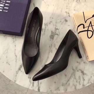 🆕2018 SW原厂原单高跟鞋,跟的高度非常舒服,弧度拉的很好,很舒服。⚠️小牛皮面料🐂,金属羊皮内里🐑,羊皮垫脚🐑,拉丝真皮大底。跟高6.5cm左右。35-39码,现货发售。顶级原单,欢迎对比!