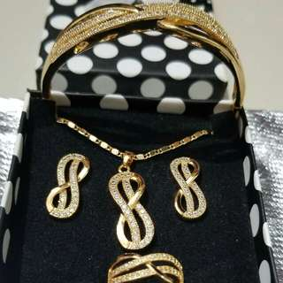 Fashion.Jewelry Set