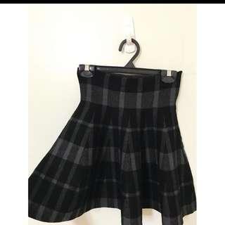 大推薦 立體版型格紋針織裙 質感超級好的喔 大推薦單品