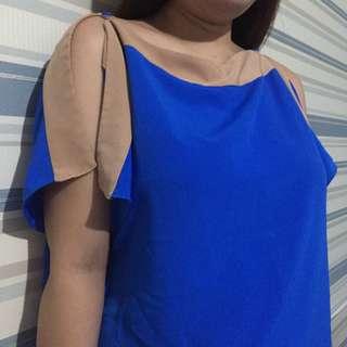 Open shoulder top