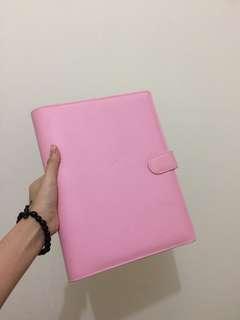 Binder pink