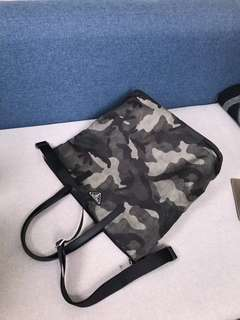 Prada普拉達迷彩降落傘材質手提包、斜挎包