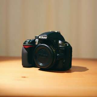 Nikon D3100 Body Only (broken shutter)