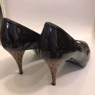 Fendi 高跟鞋