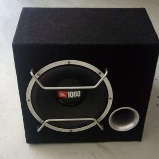 Woofer with speaker