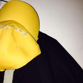 🚚 黃色帽子一頂