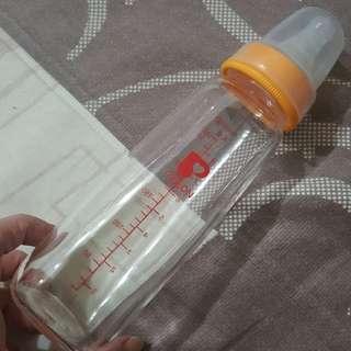 貝親奶瓶3。奶嘴2