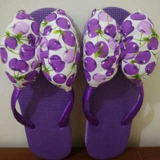 SALE (NEW) Sandal Bantal Ungu