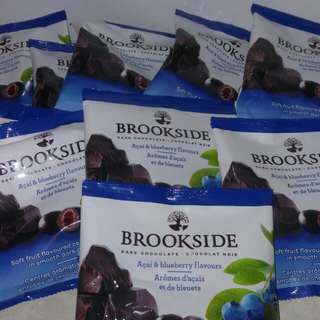 BROOKSIDE DARK CHOCOLATE WITH BLUEBERRY FLAVOURS