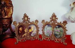 ANTIQUE BRASS OVAL DOUBLE PICTURE FRAME ITALIAN.