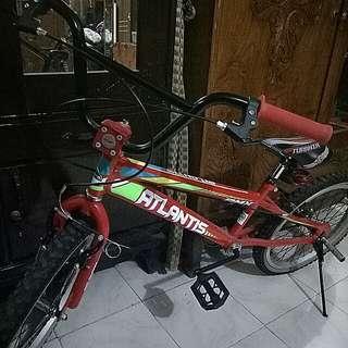 Sepeda anak-anak atlantis
