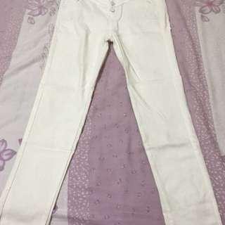 白色排扣長褲