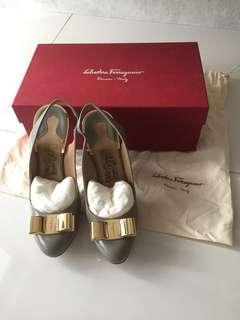 Salvatore Ferragamo Grey Heels (Size 7C)