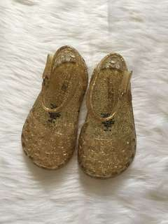 Old navy jelly shoes gold