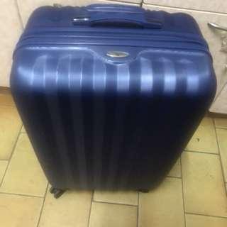 28寸硬殼行李箱