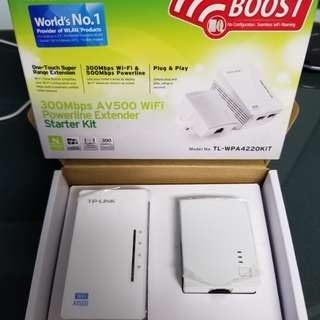 300Mbps AV500 WiFi Powerline Extender