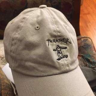 我要收購 正品 二手跟全新 Thrasher滑板人 老帽 卡其色