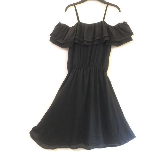 黑色 細肩帶 露肩膀 洋裝