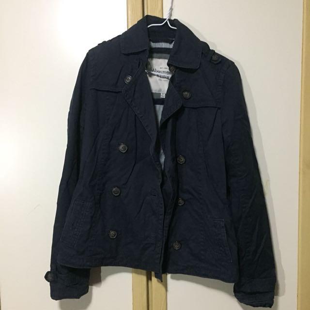 :: A&F深藍色短版排扣大衣 正品購自美國 ::