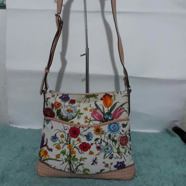 Authentic Gucci Flora sling bag