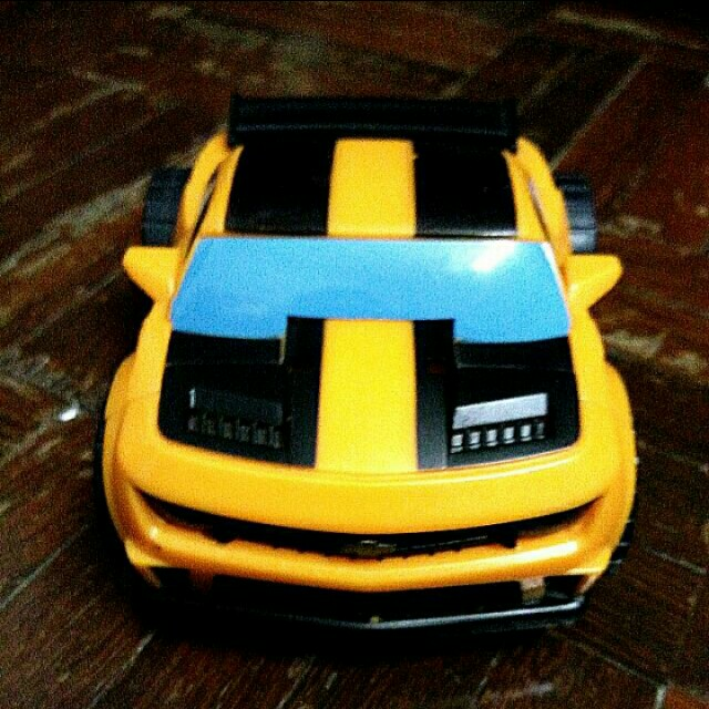 Authentic Hasbro Transformers Bumble Bee