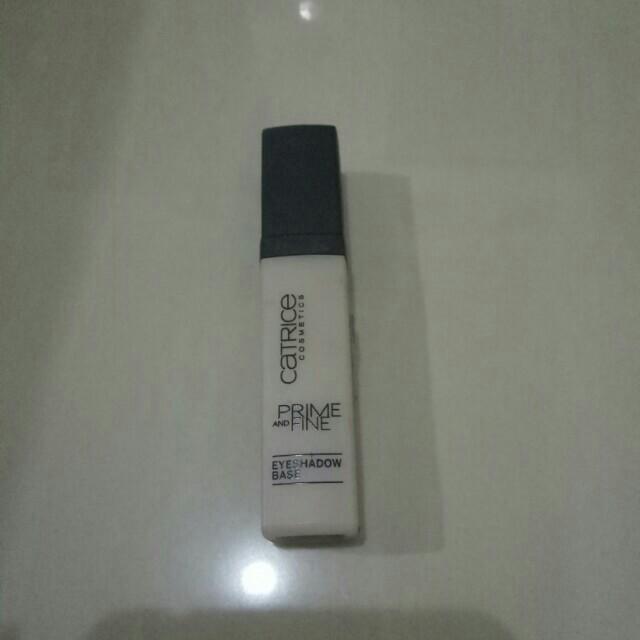 Catrice eyeshadow primer