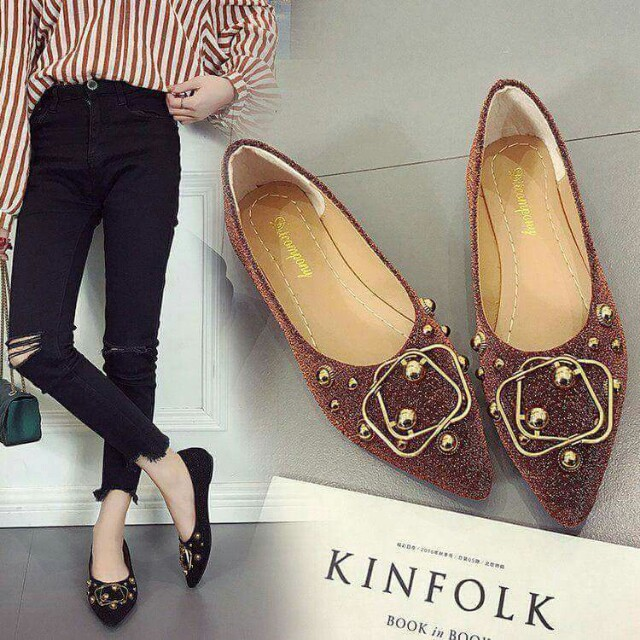 Closed flats shoes