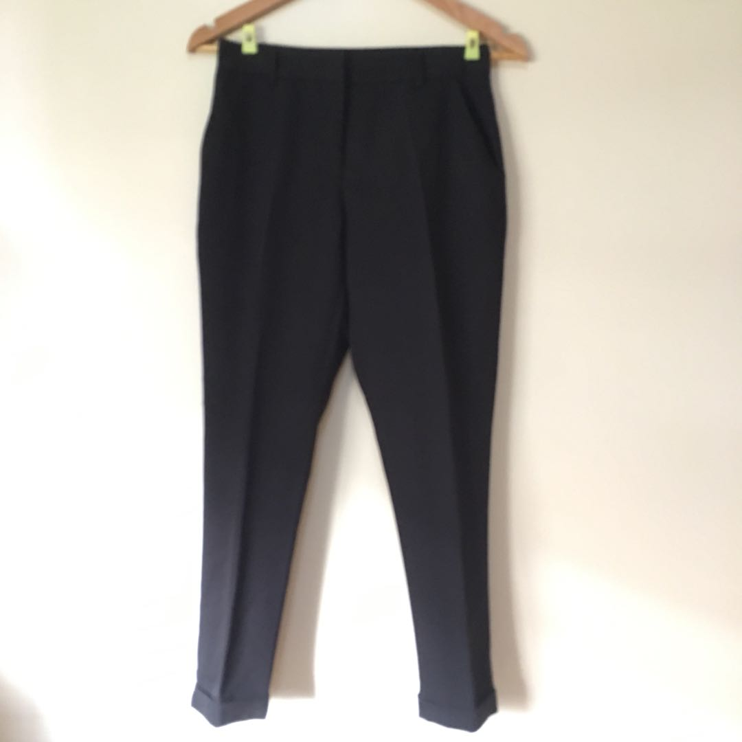 Forever21 Black Cropped Pants