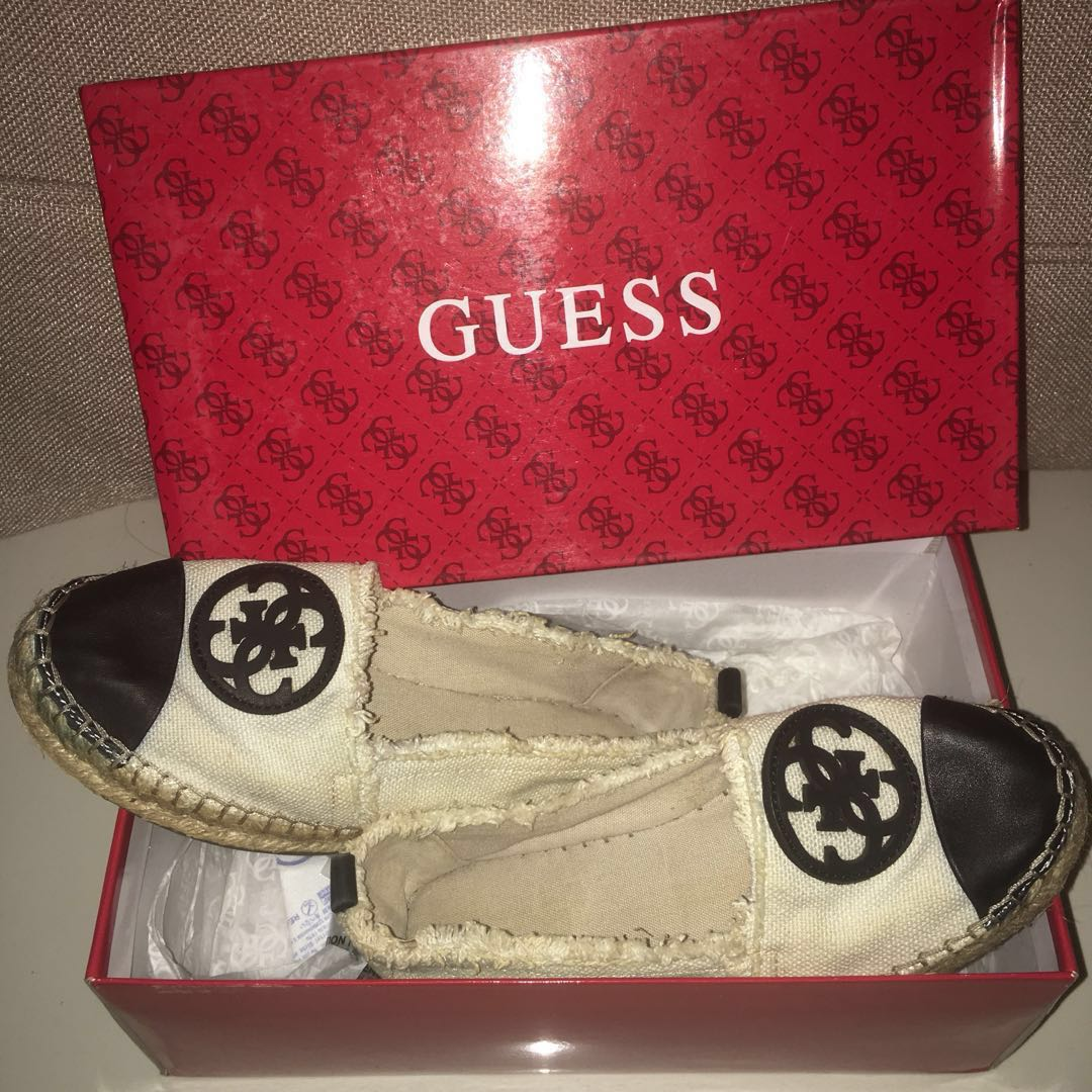 Guess Slip On Cream (Used)