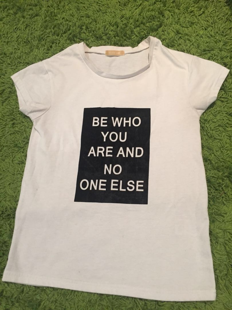 Japanese brand T-shirt(white logo free size)