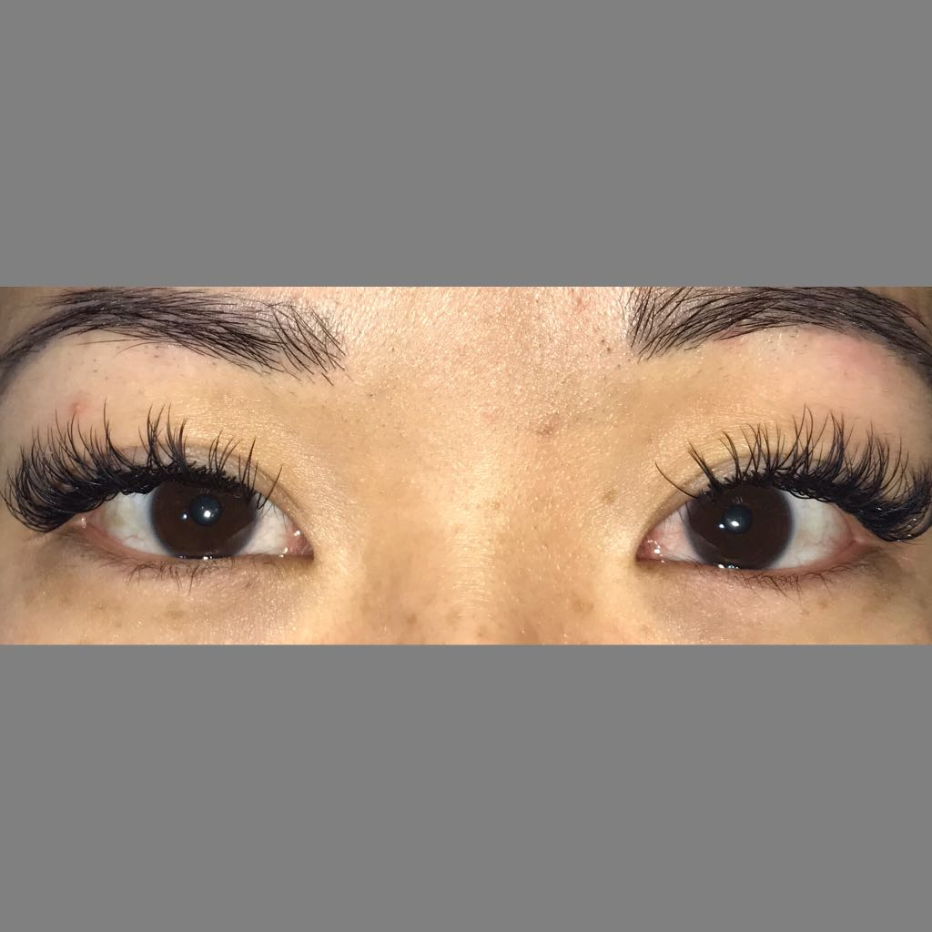 Lash extensions and brow tinting