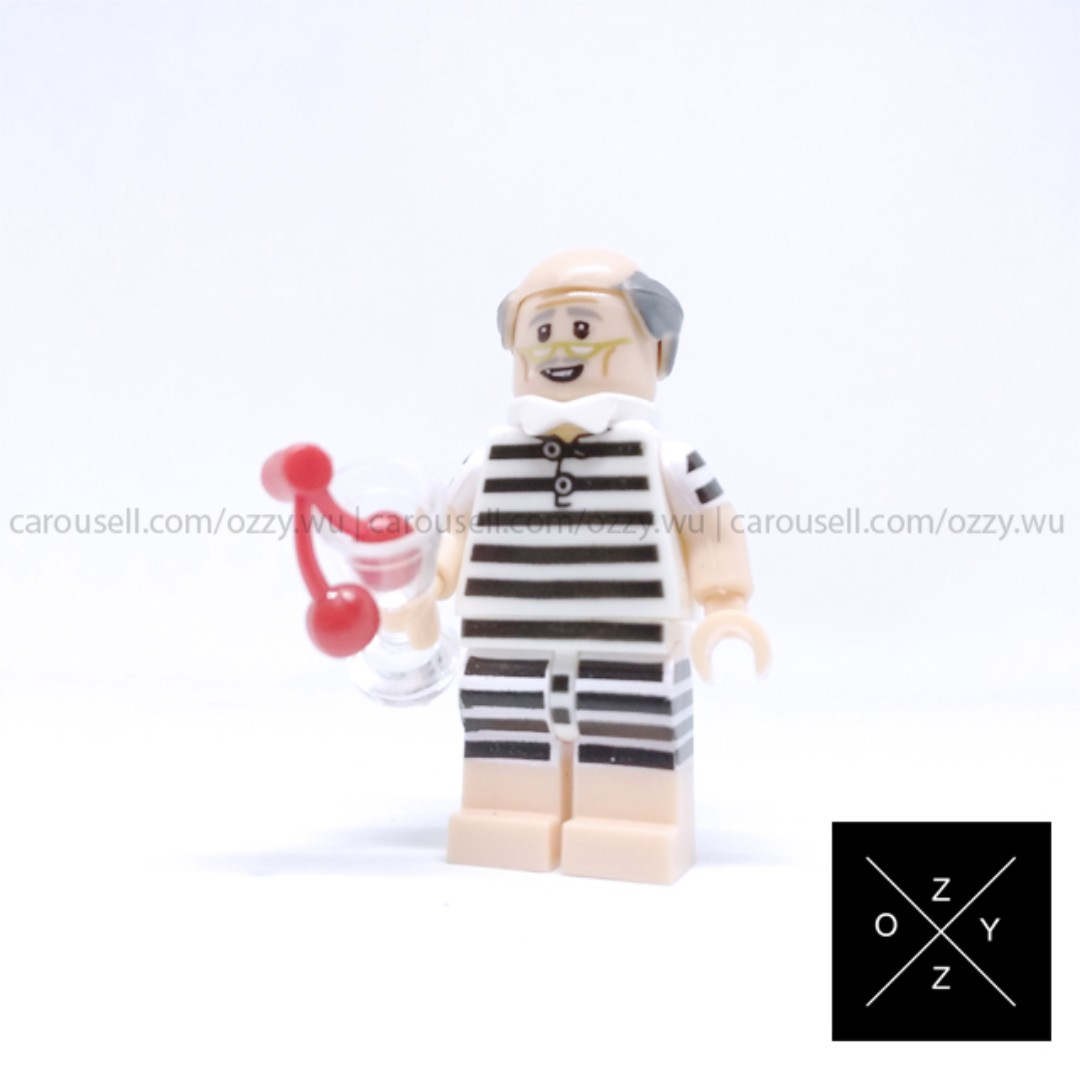 Lego Compatible DC Supeheroes Minifigures - Vacation Alfred