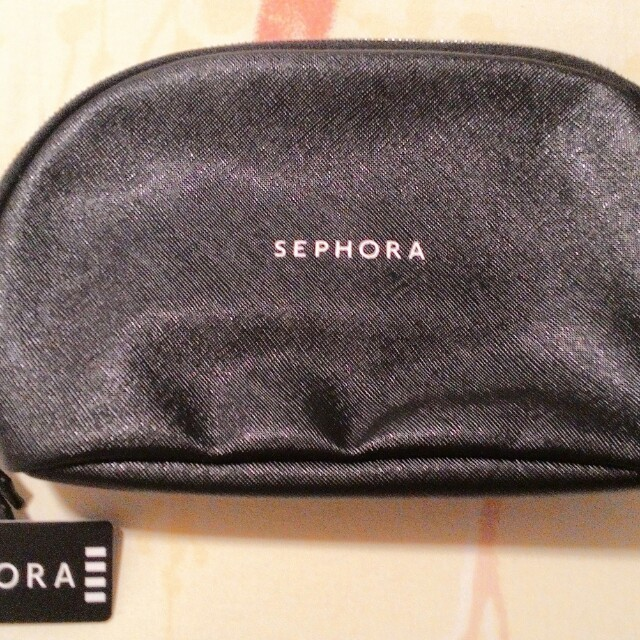 LESS EXTRA 30% - LAST DAY RM35 - 30% = RM24.50  SEPHORA MAKEUP POUCH  ZIPPERED TOP, EASY TO WIPE CLEAN MATERIAL  RM35 LIMITED TIME ONLY  100% AUTHENTIC & BRAND NEW WITH TAGS